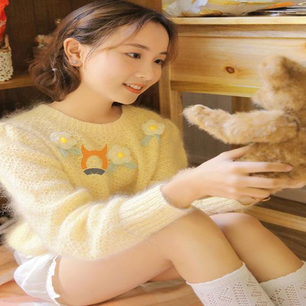 极品美女小姐姐大长腿美女诱人写真黄色毛衣大秀美腿