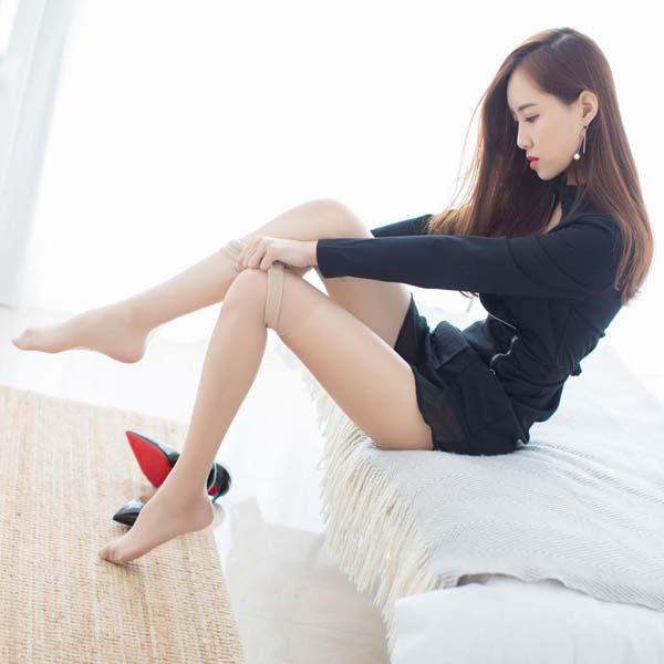 气质女神冰清玉润的丽质容颜@猫宝 修长的丝袜美腿写真